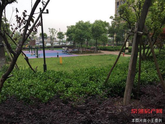 D铂克花园88平方,毛坯 3房,黄金楼层,180万房源相册
