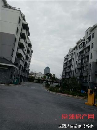 花园浜家园2楼82平方,车库独用,毛坯,165万
