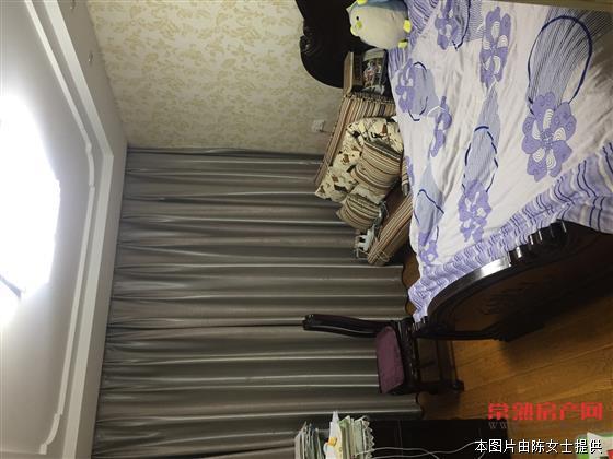 c漕泾六区68平,全新精装修,车库改年租8000元 中上楼层,满两年,名额等2年,176万