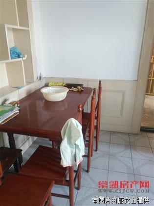 虞园新村4楼二室一厅月租2200元房源相册