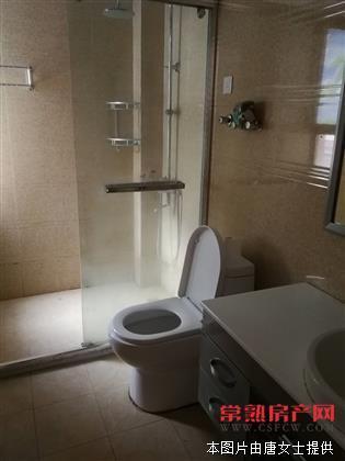 怡馨家园三室二厅二卫精装修出租房源相册