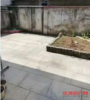 新加坡花园联体别墅,140平米,500万位置好