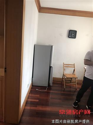 虞园2区 2室1厅1卫 68平 3楼 清爽装修 1800元/月房源相册