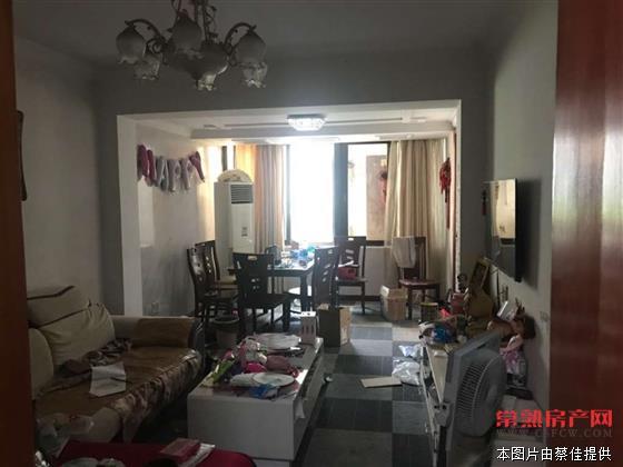 S s报慈新村一区 2室1厅1卫  简装  院子15平 厨房10平 不在房产证里 南北通透 130万