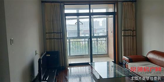L常熟老街,3室2厅2卫,精装修。房源相册