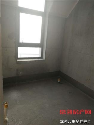 L尚湖山庄,5室3厅4卫,全新毛坯,有名额。