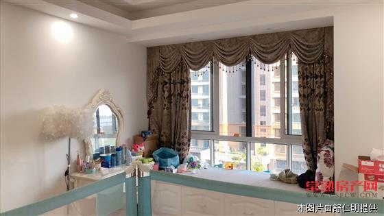 薇尼诗花园朋友的房子 精装打包卖 满二年 看房方便房源相册