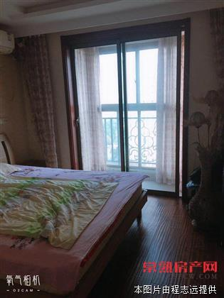 中南世纪城,123平三房两卫,家具家电齐全急售
