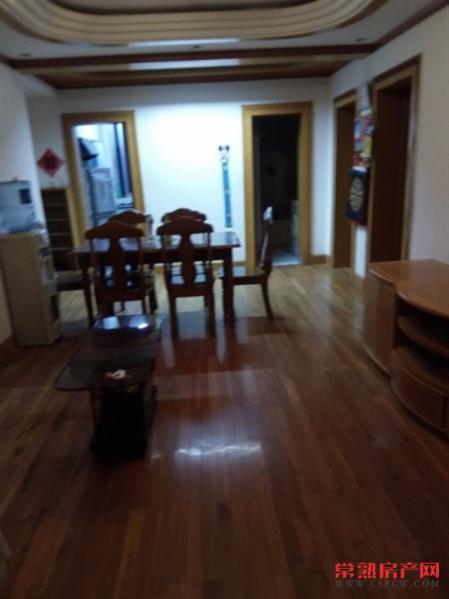 湖苑二区2室2厅1卫82平5楼清爽装修车库25平满2年128万