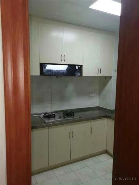 晨枫家园三房二厅一卫装修清爽基本设齐全2100元月