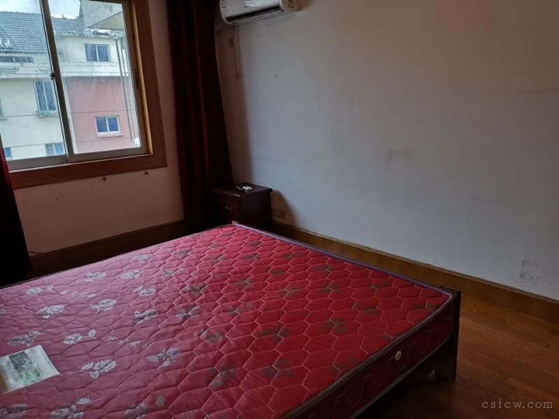 湖苑二区2室2厅1卫82平6楼清爽装修1600元/月有钥匙