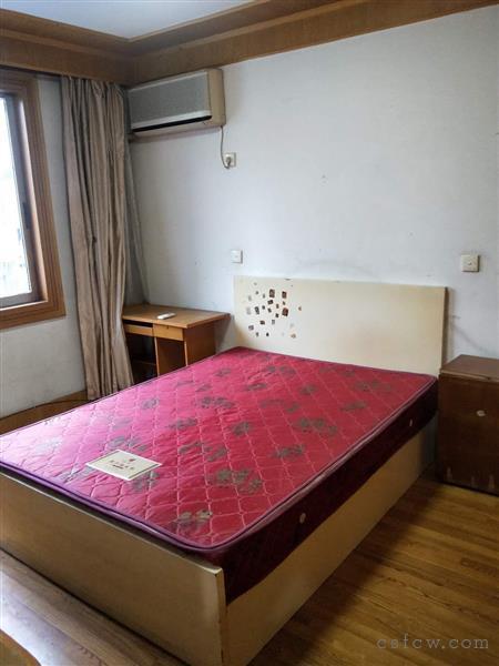 五星六区二房二厅一卫装修清爽1400元月