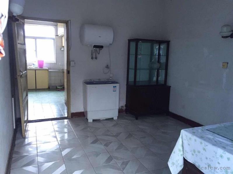 泰安新村3楼,64平,二室一厅一卫一厨出租,也可做三室,1700每月