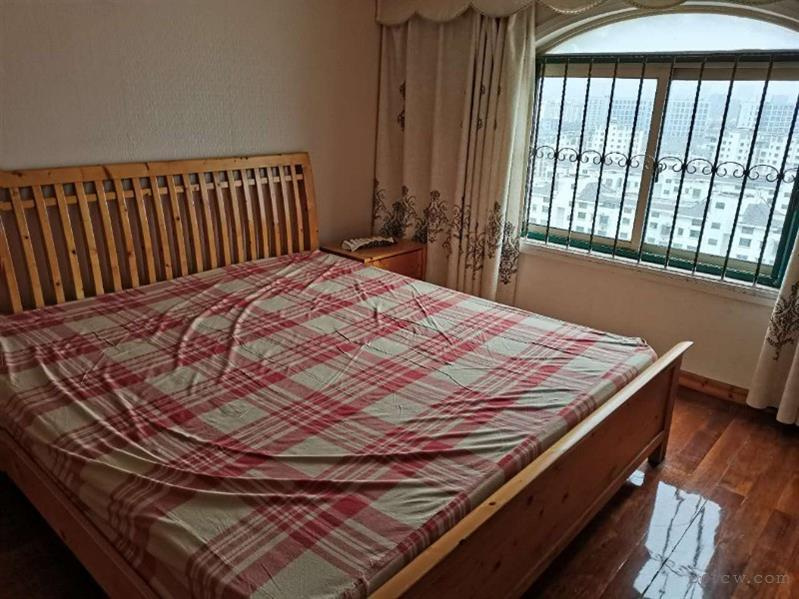 明日星城城欣园,140平,4房2厅2卫,2700月租,精装