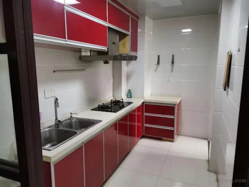 常熟老街泰和坊97平方2房2厅1卫精装修设施齐全2200一月