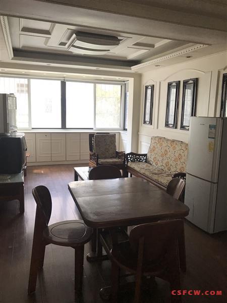 漕泾五区二室一厅装修好2000元/月