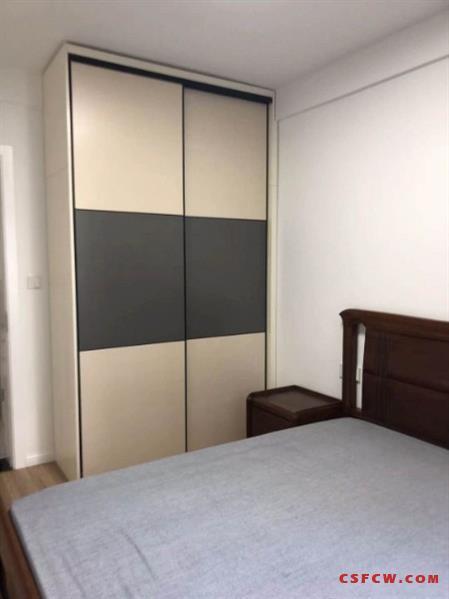 金润家园3室2厅1厨1卫,精装,家电齐全,拎包入住,有停车位2200月租