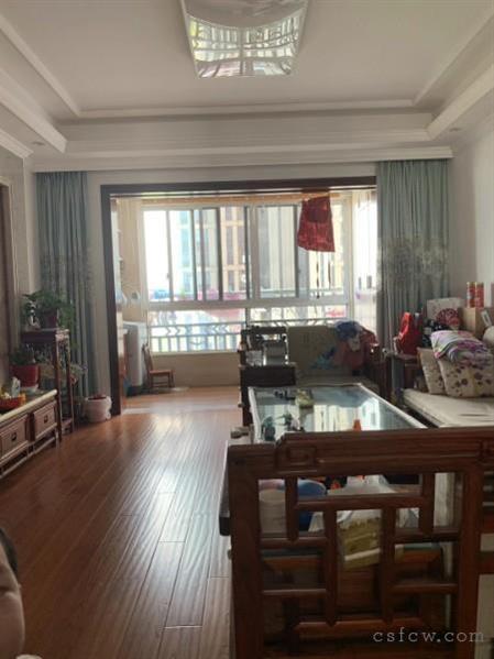 琴湖一号,142平,4室真材实料精装,急卖价280万