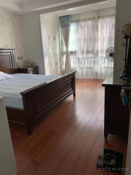 房东急卖,海虞镇首付30多万小三室精装,港龙香语华庭超低价110万