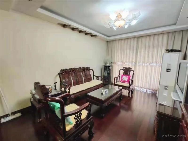 湖苑新村二区,74平,2室精装,客厅通阳台,116万