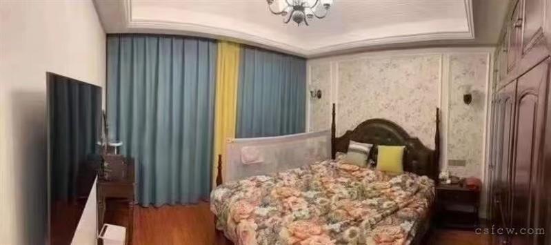 星宝花园,125平,3室,有阁楼,精装,275万