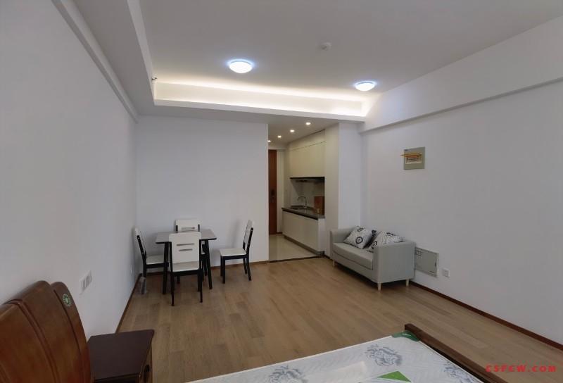 世茂片-凤凰城,全新精装公寓首租,拎包入住,2300元/月