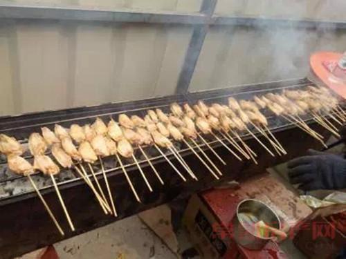 港龙香江华庭周末美味烧烤节 激情乐翻天