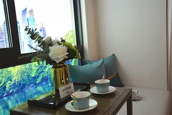 华侨城水畔华庭108㎡样板房鉴赏(720全景)