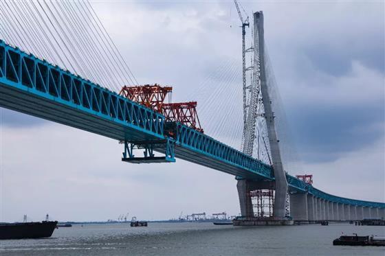 沪通铁路建设迈出重要一步!沪通长江大桥顺利合龙