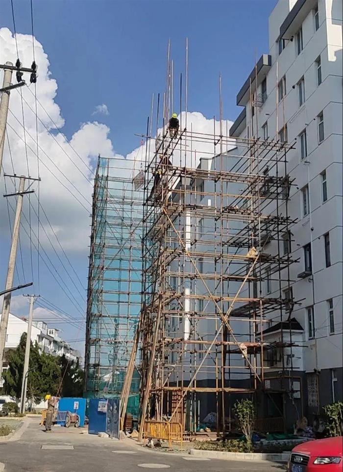 常熟首个既有多层住宅增设电梯项目昨日交付启用!